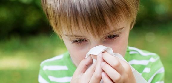 Specjalista może również kontrolować wpływ odczulające leczenie, które może zapobiec lub zminimalizować przyszłe reakcje alergiczne.